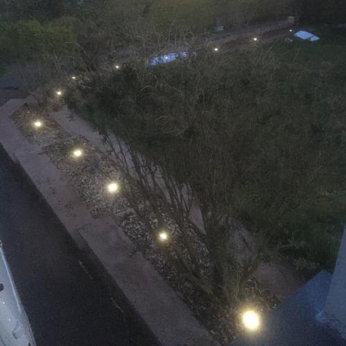 4 LED solarne svetilke photo review